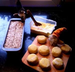 Maisküchlein und Leinsamenbrot